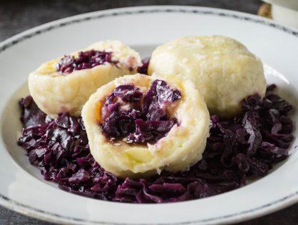 Kartoffelknödel mit Blaukrautfülle