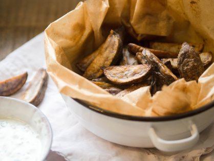Potato Wedges aus Trüffelkartoffeln mit Knoblauch-Dip