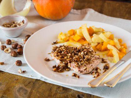 Putenschnitzel mit Haselnüssen auf Fenchel-Kürbis-Gemüse
