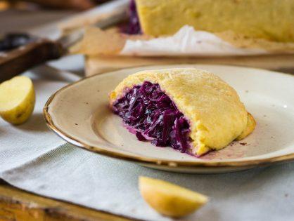 Kartoffelteig-Roulade mit Blaukraut-Fülle