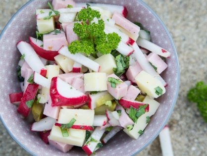 Wurst-Käse-Radieschen-Salat