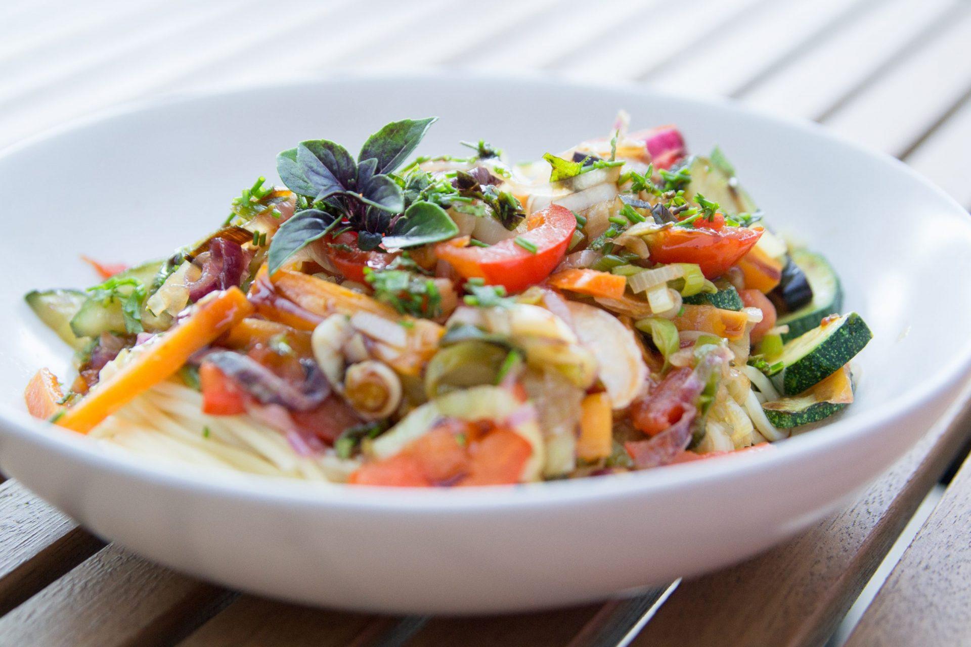 Spaghetti mit karamellisiertem Gemüse