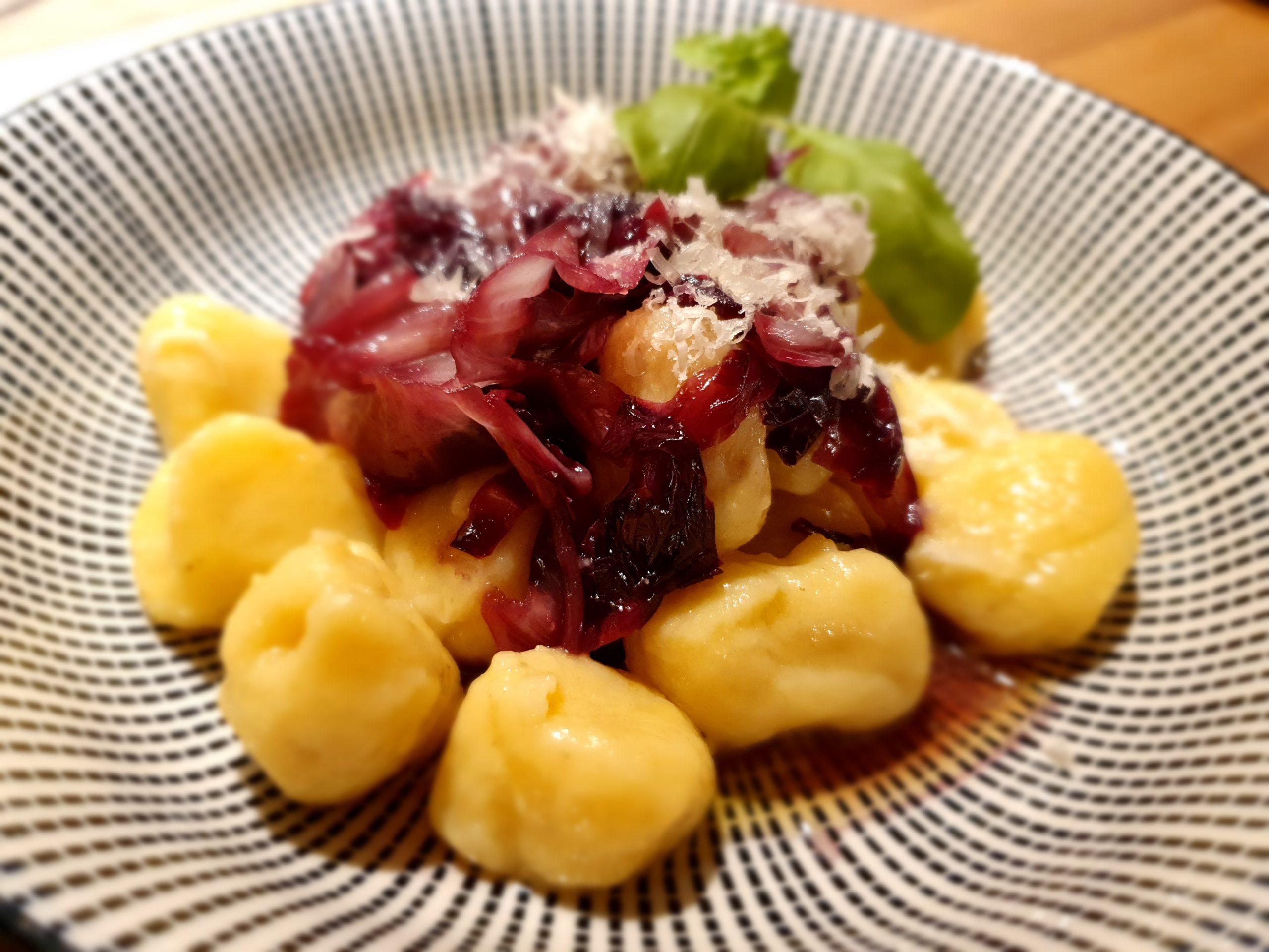 Gnocchi mit karamellisiertem Radicchio und Parmesan