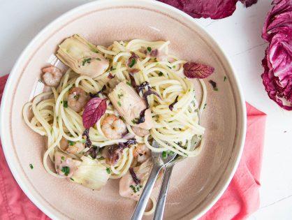 Spaghetti mit Radicchio, Artischocken und Garnelen