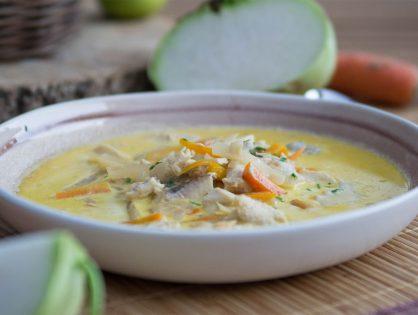 Einfache Fischsuppe mit Karotten und Kohlrabi
